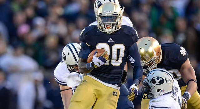 Notre Dame Fighting Irish running back Cierre Wood (20) runs with the football in game action. The Notre Dame Fighting Irish defeated the Brigham Young Cougars by the score of 17-14 at Notre Dame Stadium in Notre Dame, IN.(Photo: Robin Alam / IconSMI)