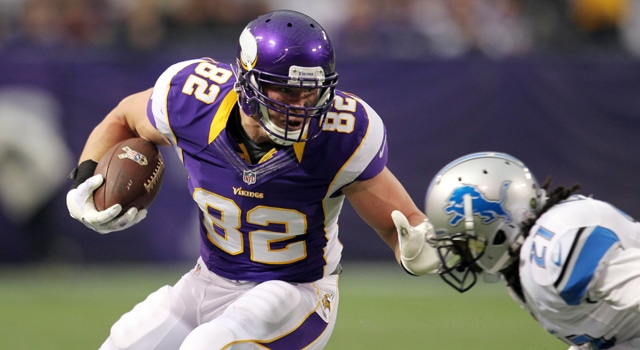 Minnesota Vikings tight end Kyle Rudolph (82) carries the ball during the second quarter against the Detroit Lions at the Metrodome. (Photo: Brace Hemmelgarn / USA TODAY Sports)