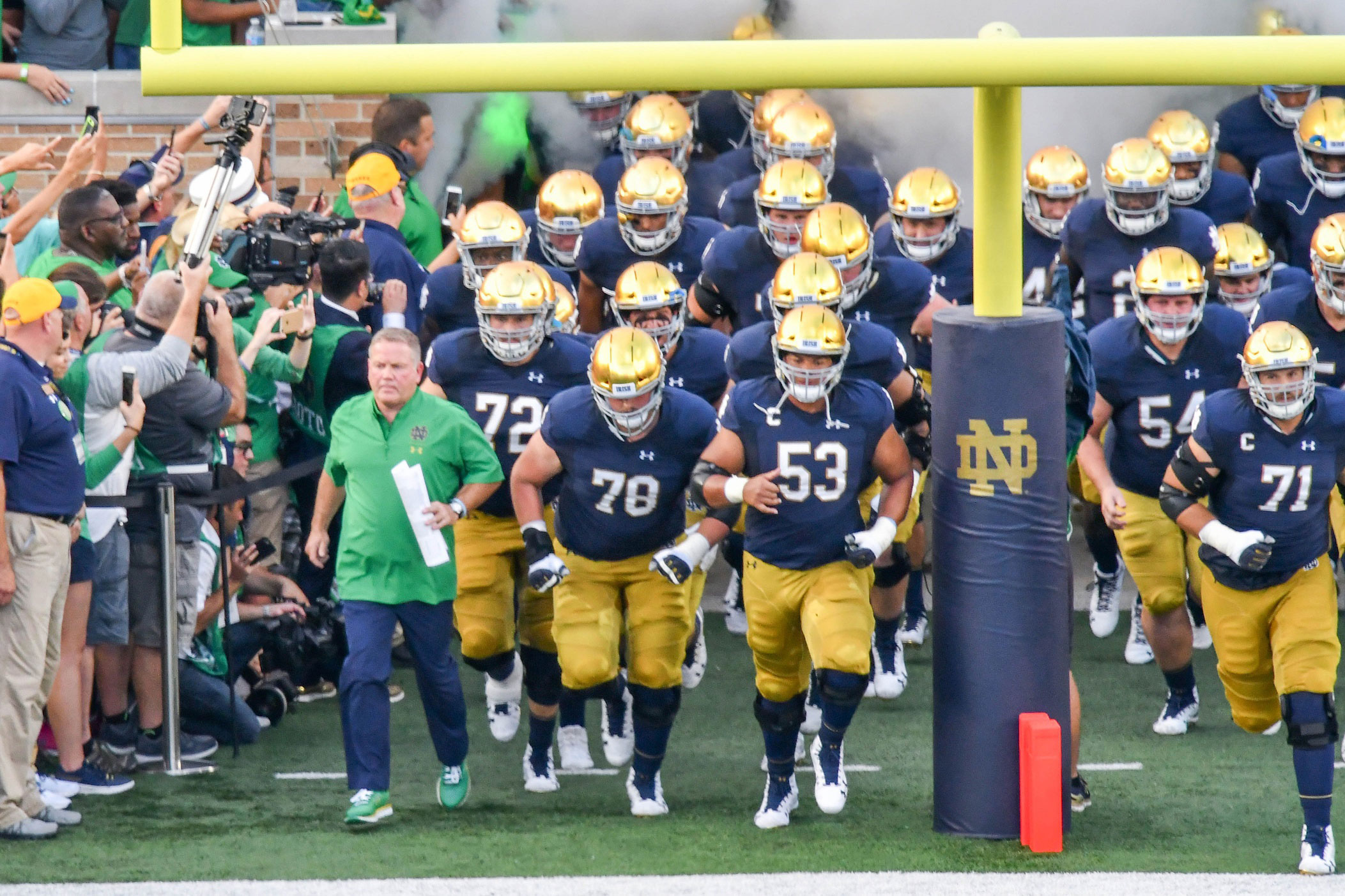 Notre Dame Football Schedule 2019 >> Notre Dame Football's Depth Chart for Ball State // UHND.com