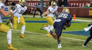 After jumping out to a large early lead a year ago, Notre Dame struggled to put away Navy on the heels of their loss to Florida State.  (Photo: Matt Cashore / USA Today Sports)